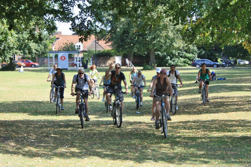 Merry Pedallers on a Richmond Park Bike Tour