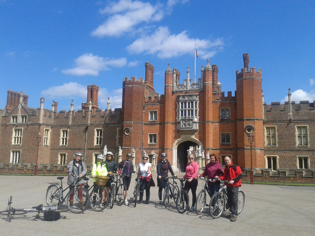 Ahh the all important Hampton Court group photo!