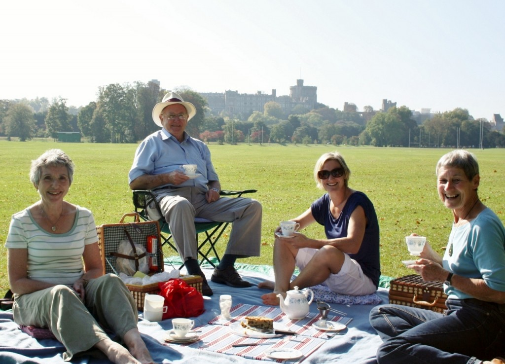 Afternoon tea picnic overlooked by Windsor Castle what a lovely way to end the day!